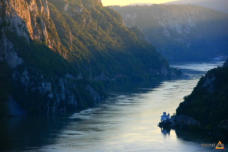 Caras Severin – Harti turistice si rutiere din Resita si Caras