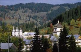 manastirea-durau-1